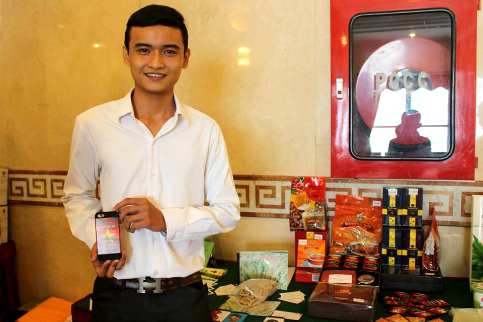 """Sản phẩm Cafe - Viên nén ươn mầm - Ốp lưng Iphone """"HƯỚNG VỀ BIỂN ĐÔNG"""""""